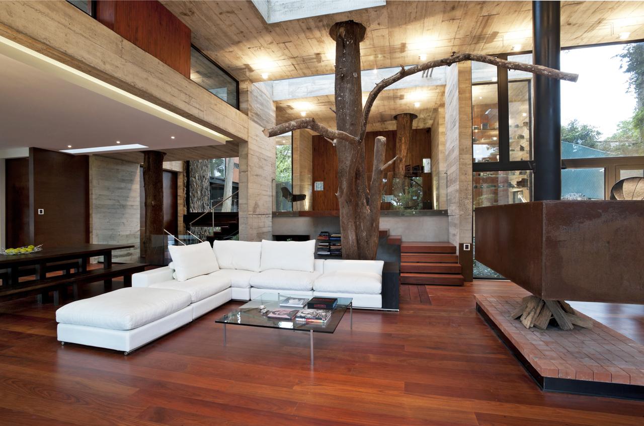 Современный дизайн внутри загородного дома на
