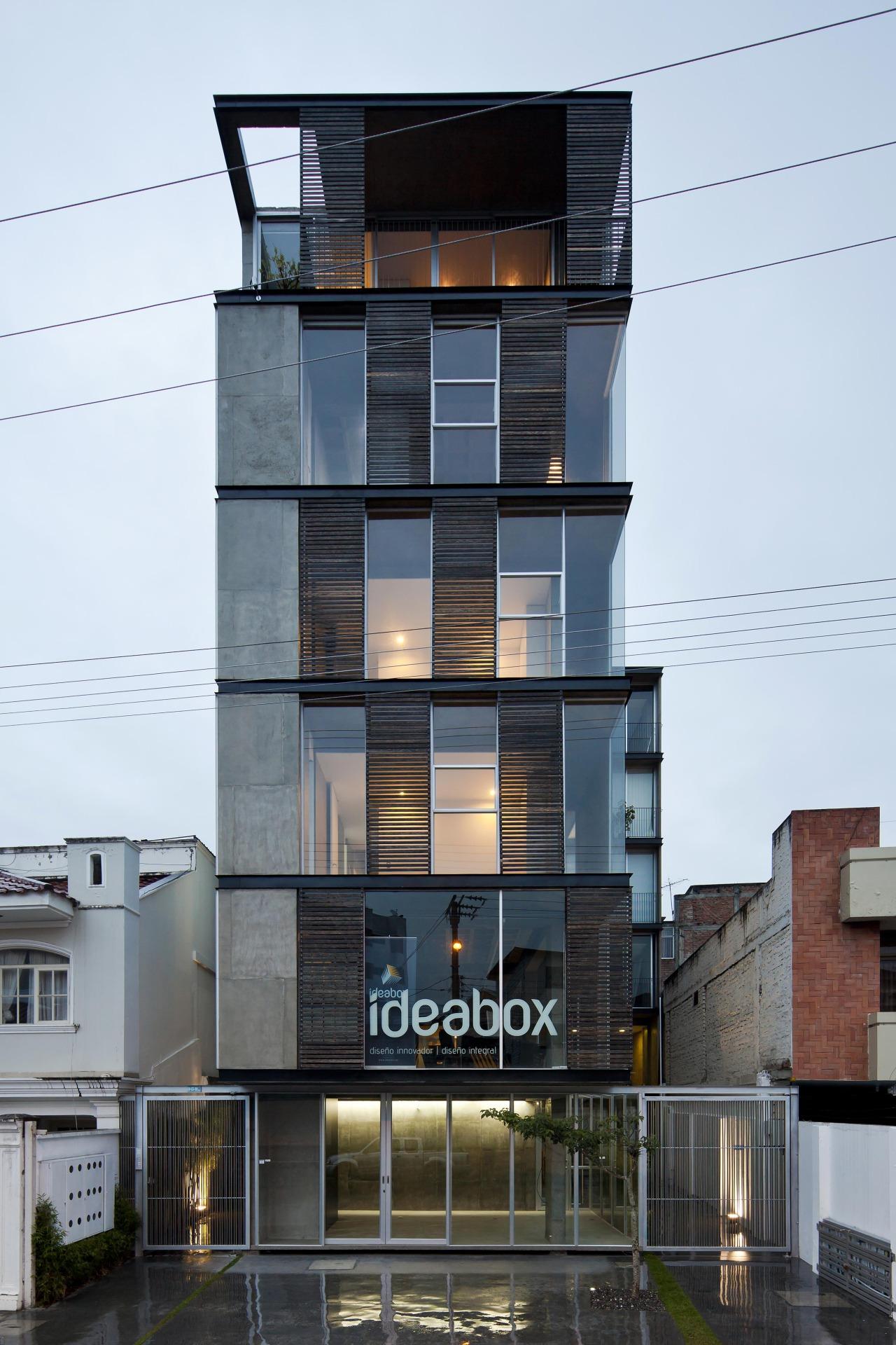 Edificio 03 98 / Espinoza Carvajal Arquitectos, © Sebastián Crespo