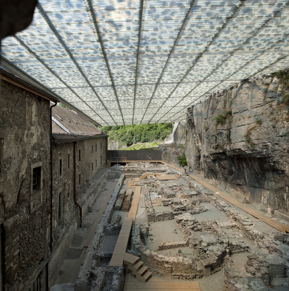 Coverage of Archaelogical Ruins of the Abbey Of St. Maurice / Savioz Fabrizzi Architectes, © Thomas Jantscher