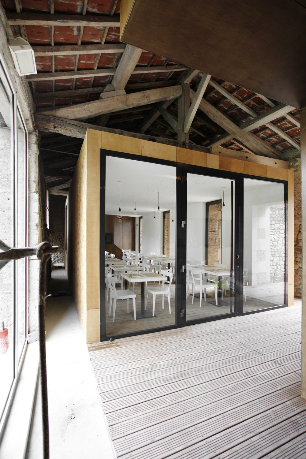 Renovation of an old barn / Comac, Courtesy of  comac