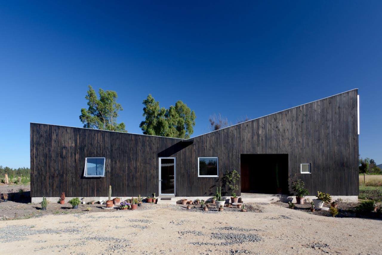 Santa Julia House / Emilio Marin Architects, © Nicolas Rupcich
