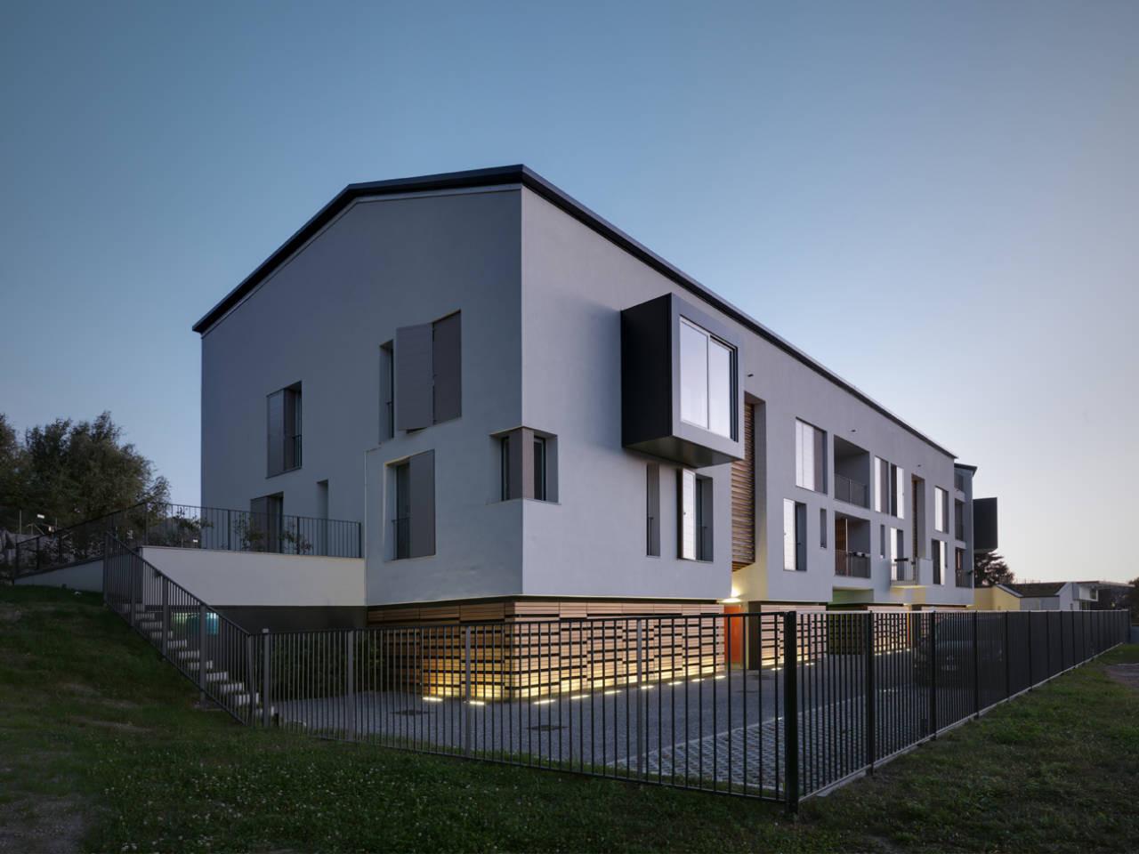 Residencial-Commercial Building In Azzate / Park Associati, © Andrea Martiradonna