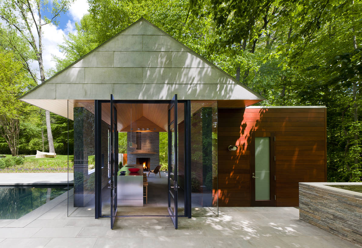 Nevis Pool and Garden Pavilion / Robert M. Gurney Architect + FAIA Architect, © Maxwell MacKenzie