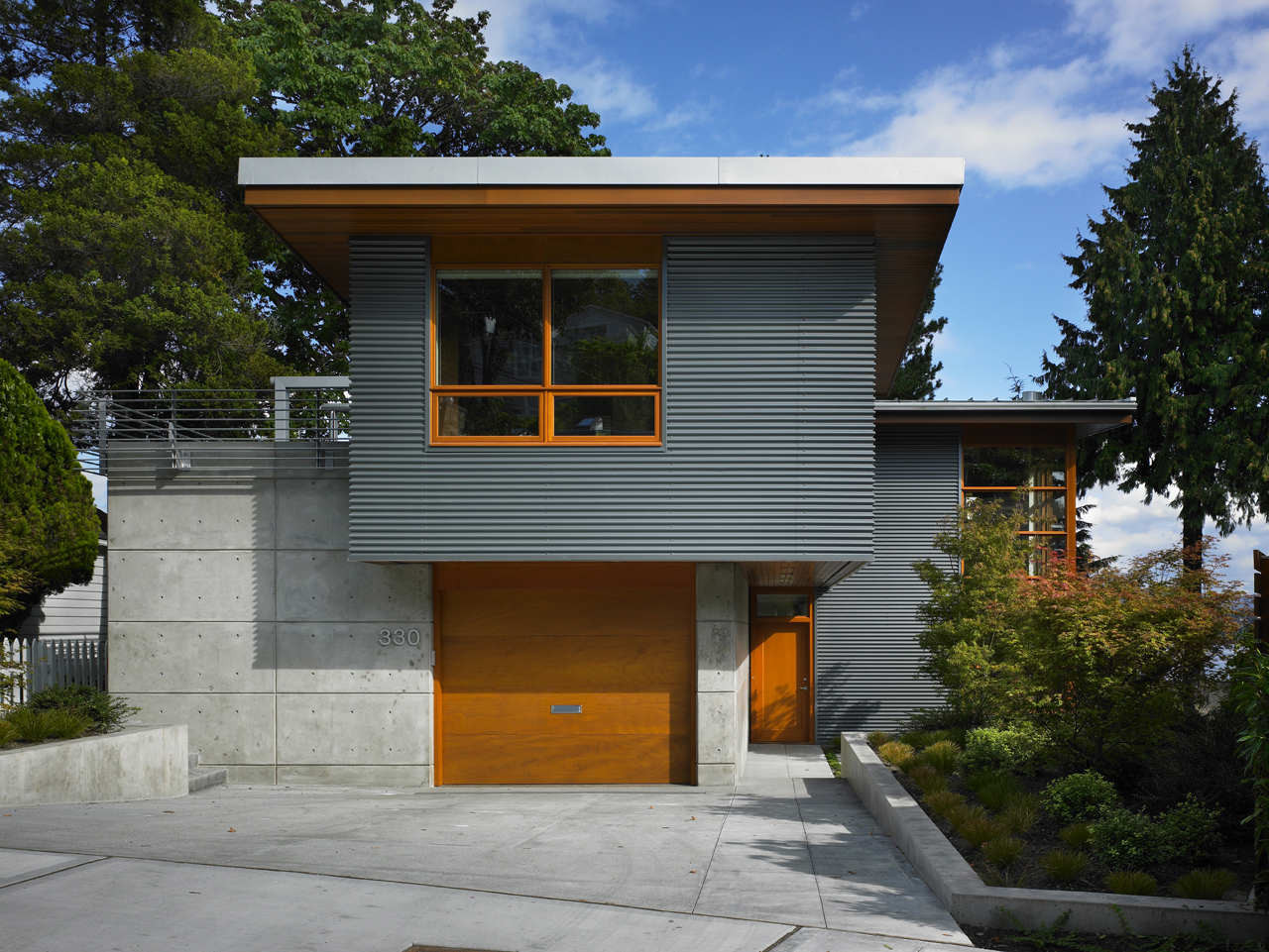 Leschi Residence / Adams Mohler Ghillino Architects
