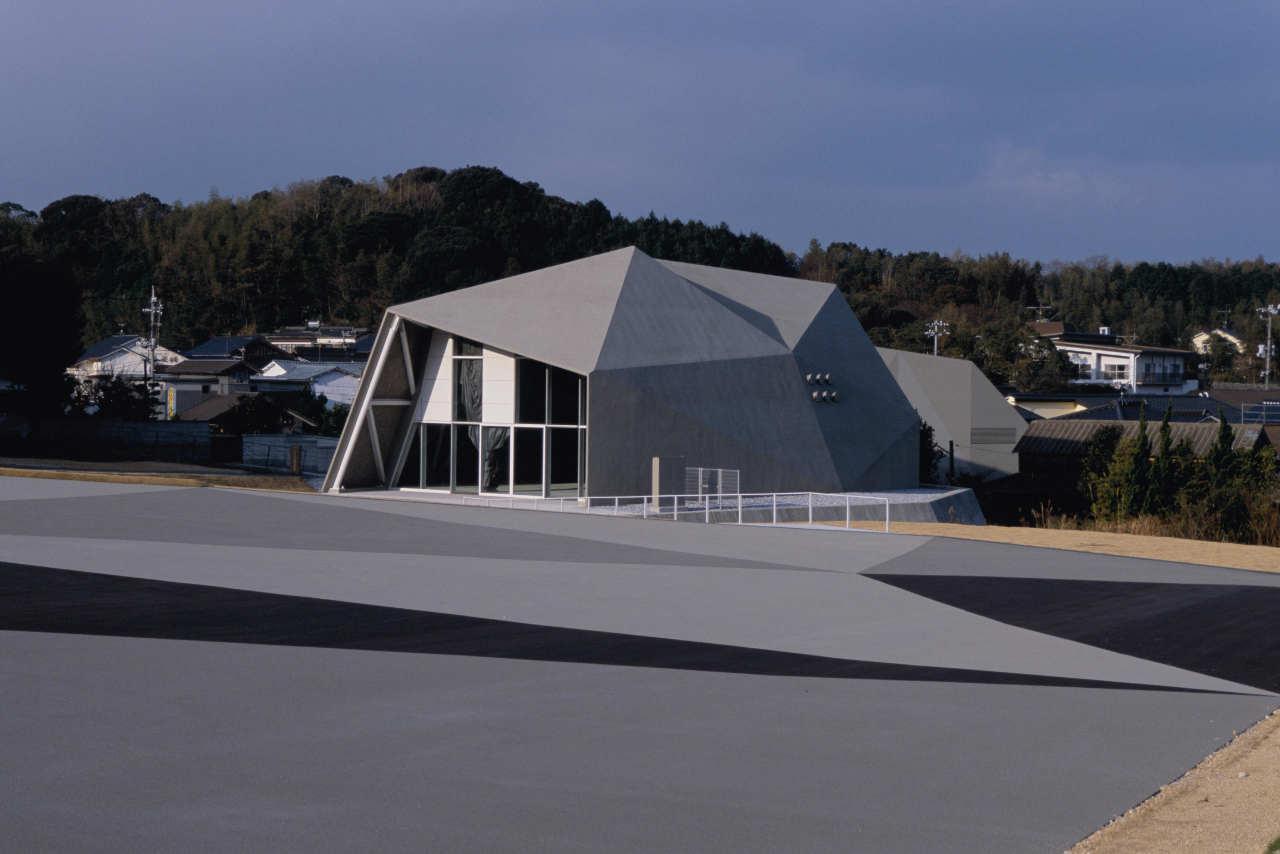 Shimonoseki-shi Kawatana Onsen Koryu Center / Kengo Kuma & Associates, © Mitsumasa Fujitsuka
