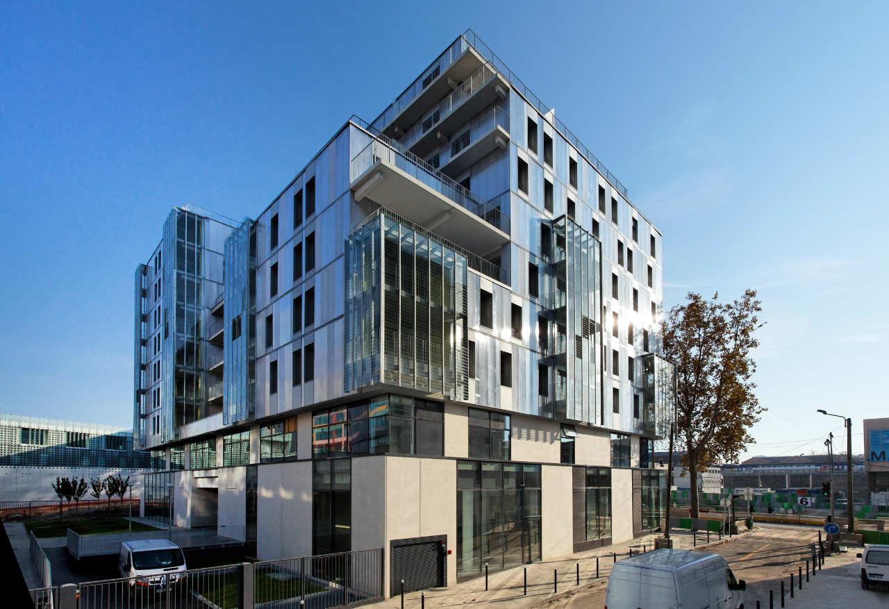 social housing in paris dietmar feichtinger architectes archdaily. Black Bedroom Furniture Sets. Home Design Ideas