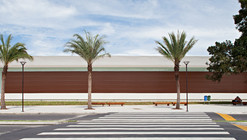 Serramar Parque Shopping / Aflalo and Gasperini Arquitects