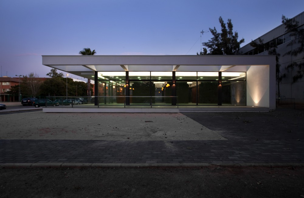 Pensioners Community Center / Antonio Altarriba Comes, © Diego Opazo