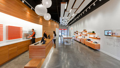 dpHUE Concept Store / Julie Snow Architects