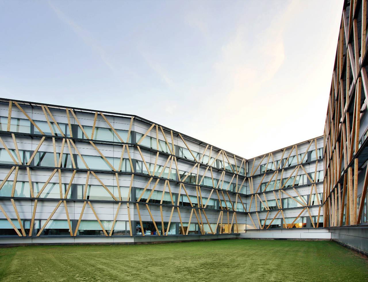 Telefonica Corporate University In Parc de Bell-llo /  Batlle & Roig Architects, © José Hevia