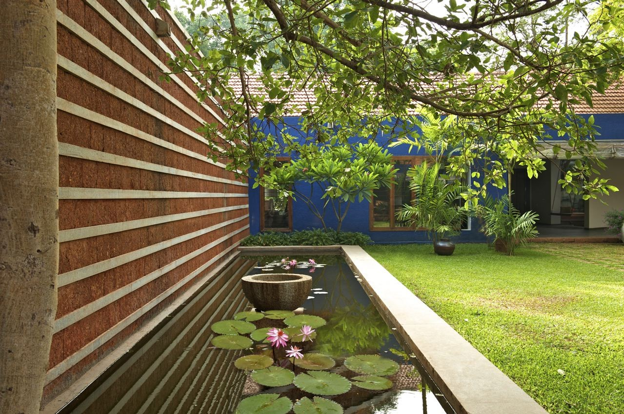 Gallery of bellad house khosla associates 8 for Indian home garden design