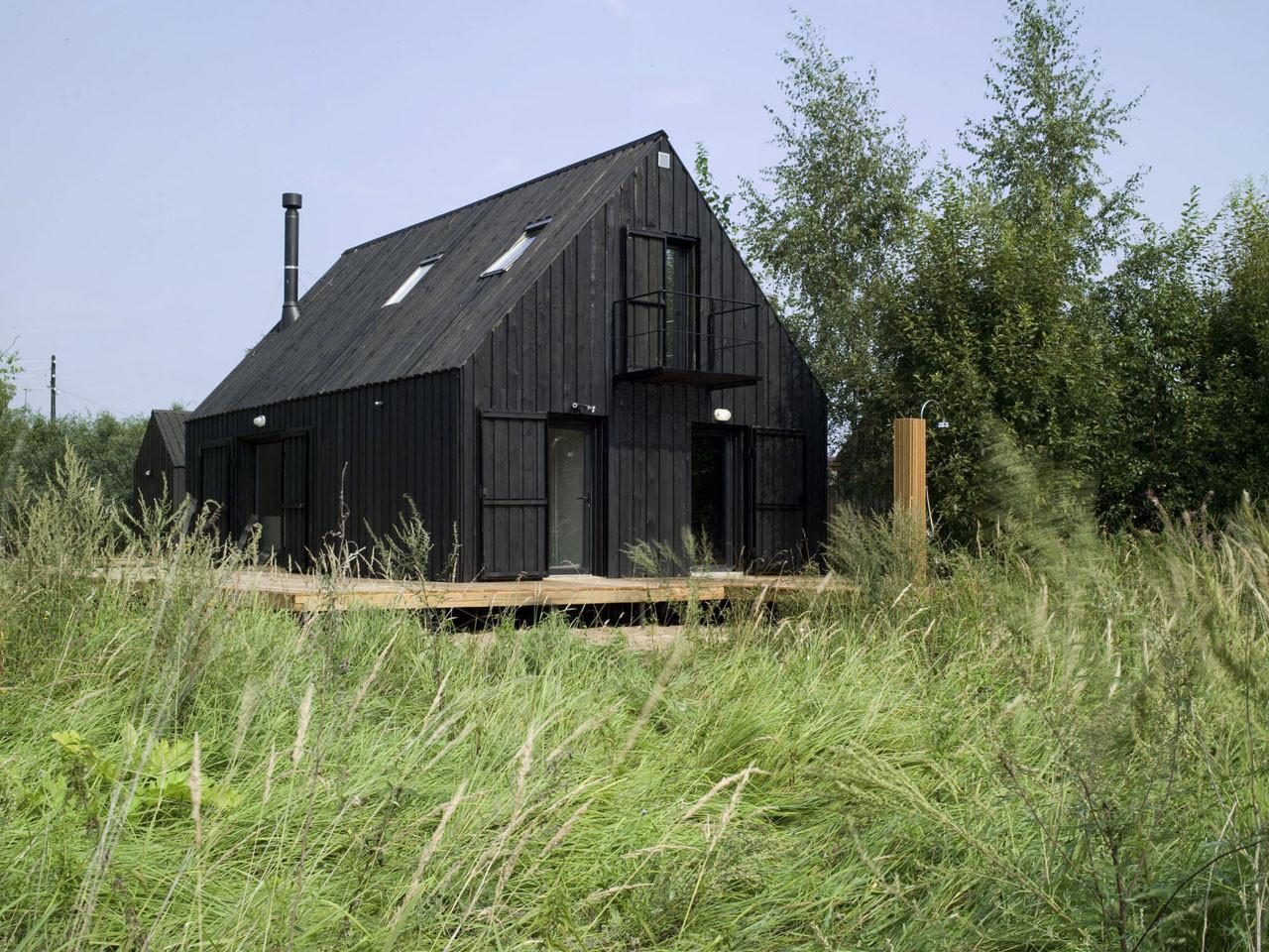 VolgaDacha House / Bureau Bernaskoni