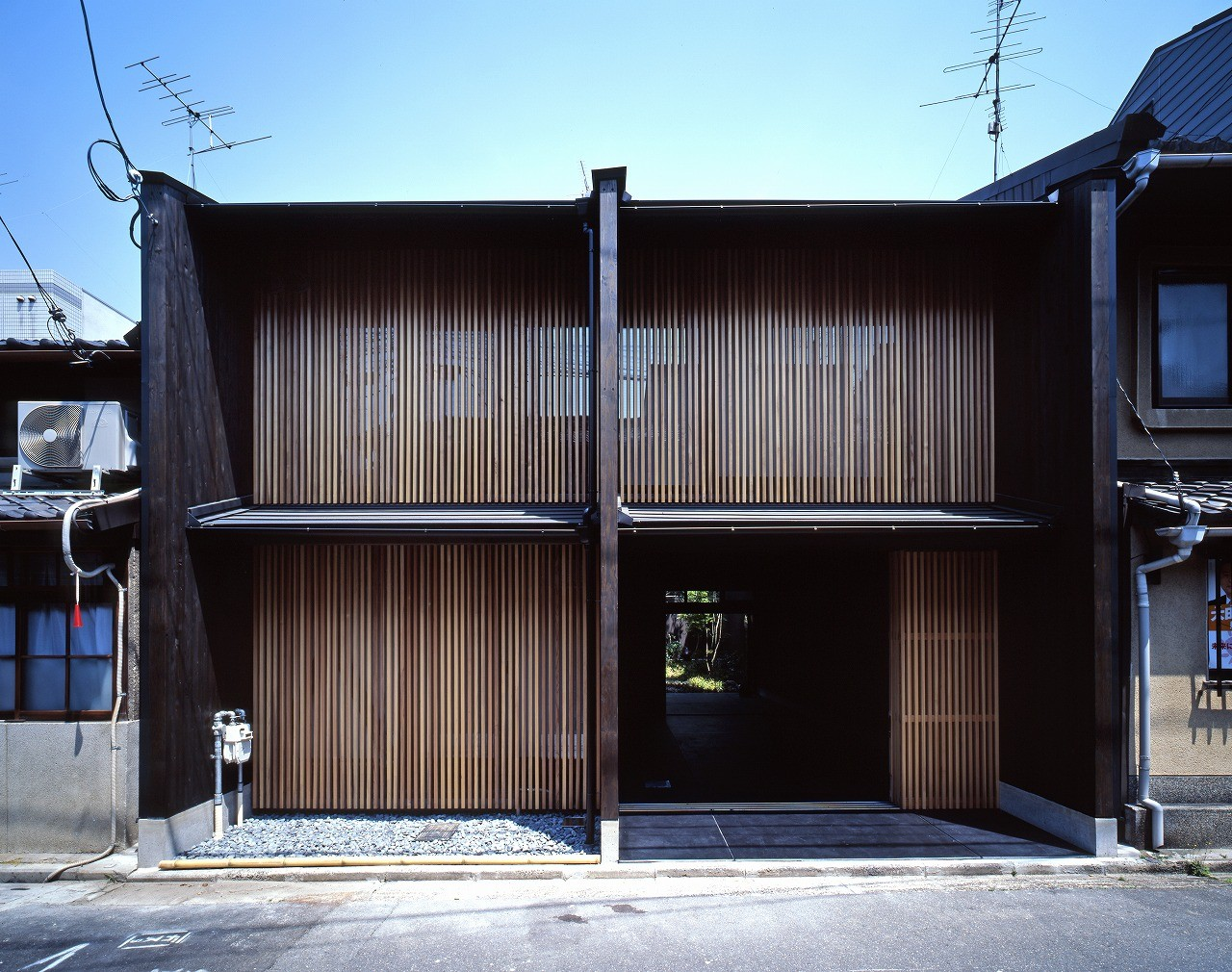^ Kyoto-Model: House With 3 Walls / Shigenori UOY + Miwako ...