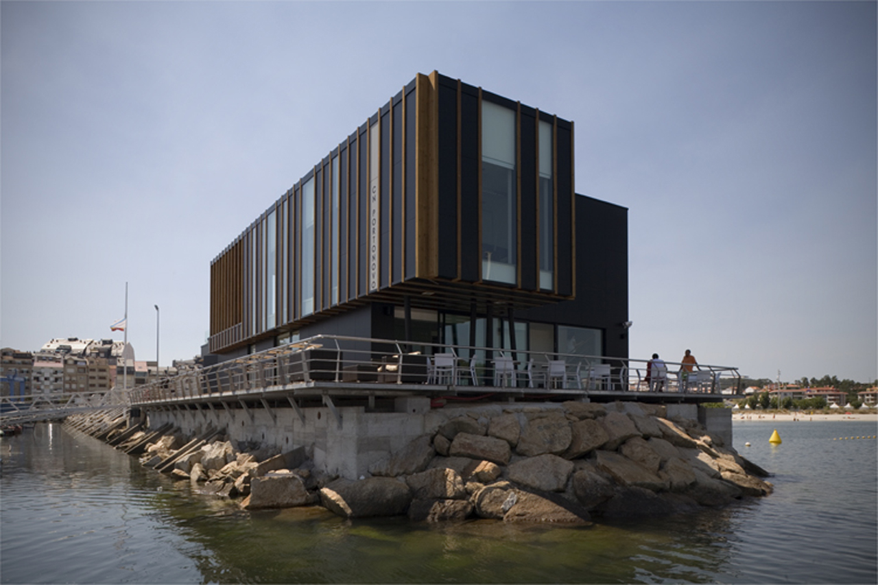 Nautical Portonovo / Díaz y Díaz Arquitectos, © Mark Ritchie