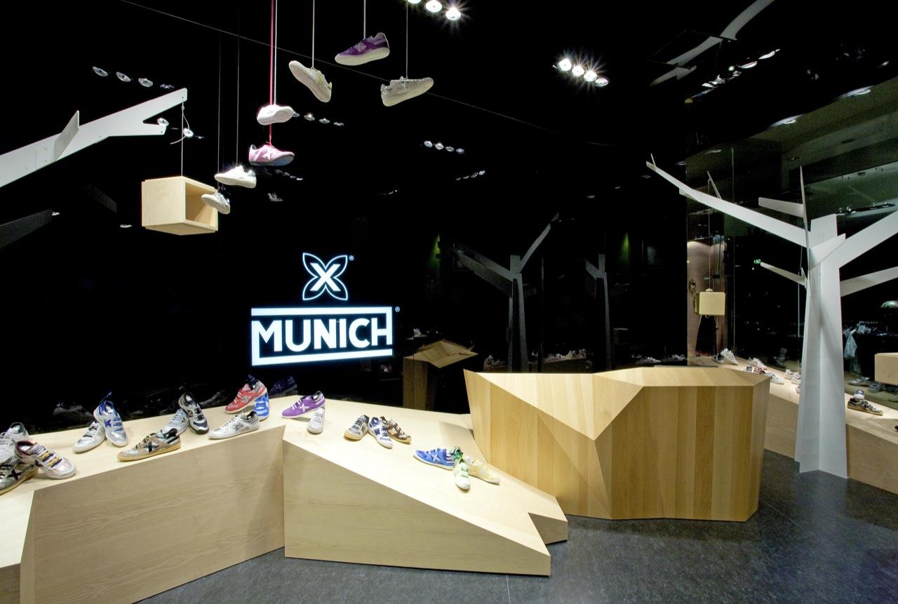Munich L'illa Diagonal / Dear design, © Lafotográfica