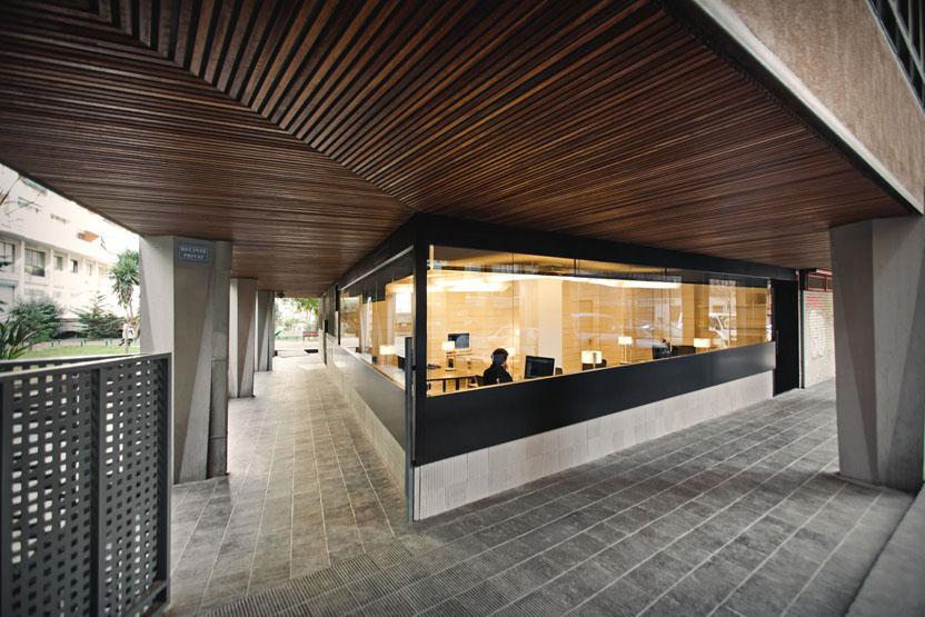 Architecture Studio in Barcelona / Dom Arquitectura, © Jordi Anguera