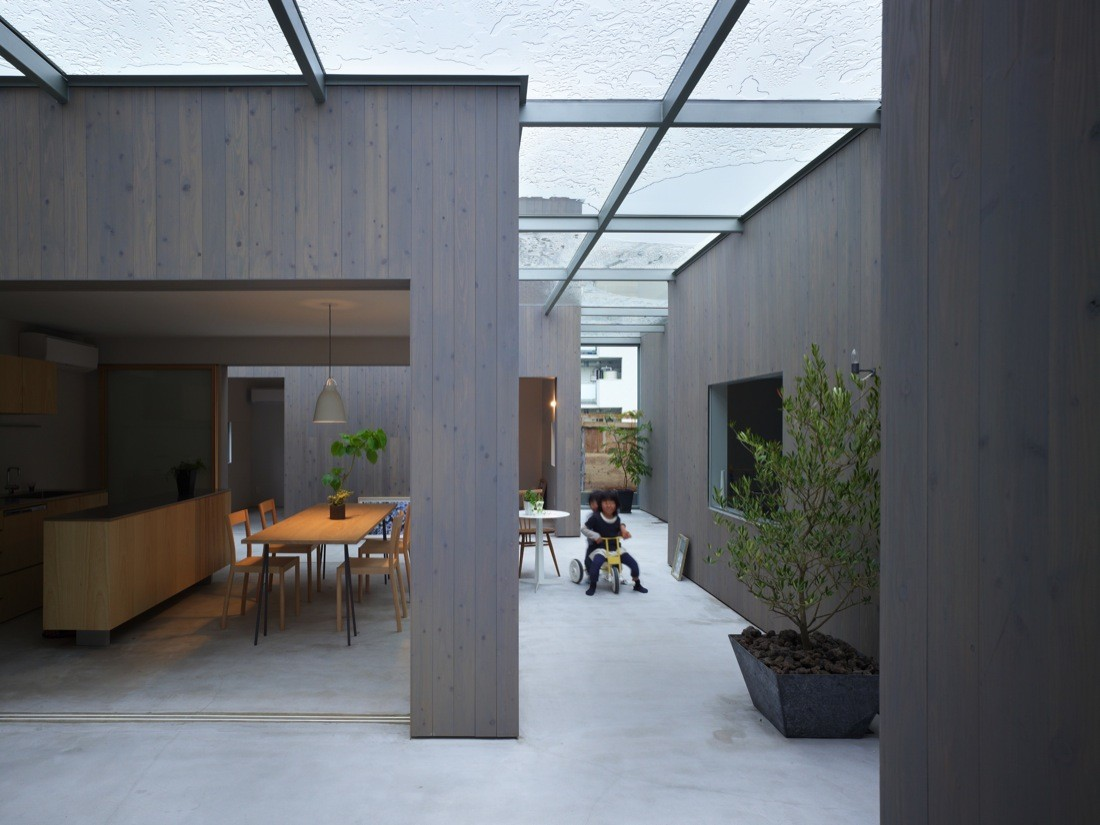 suppose design office. house in buzen suppose design office