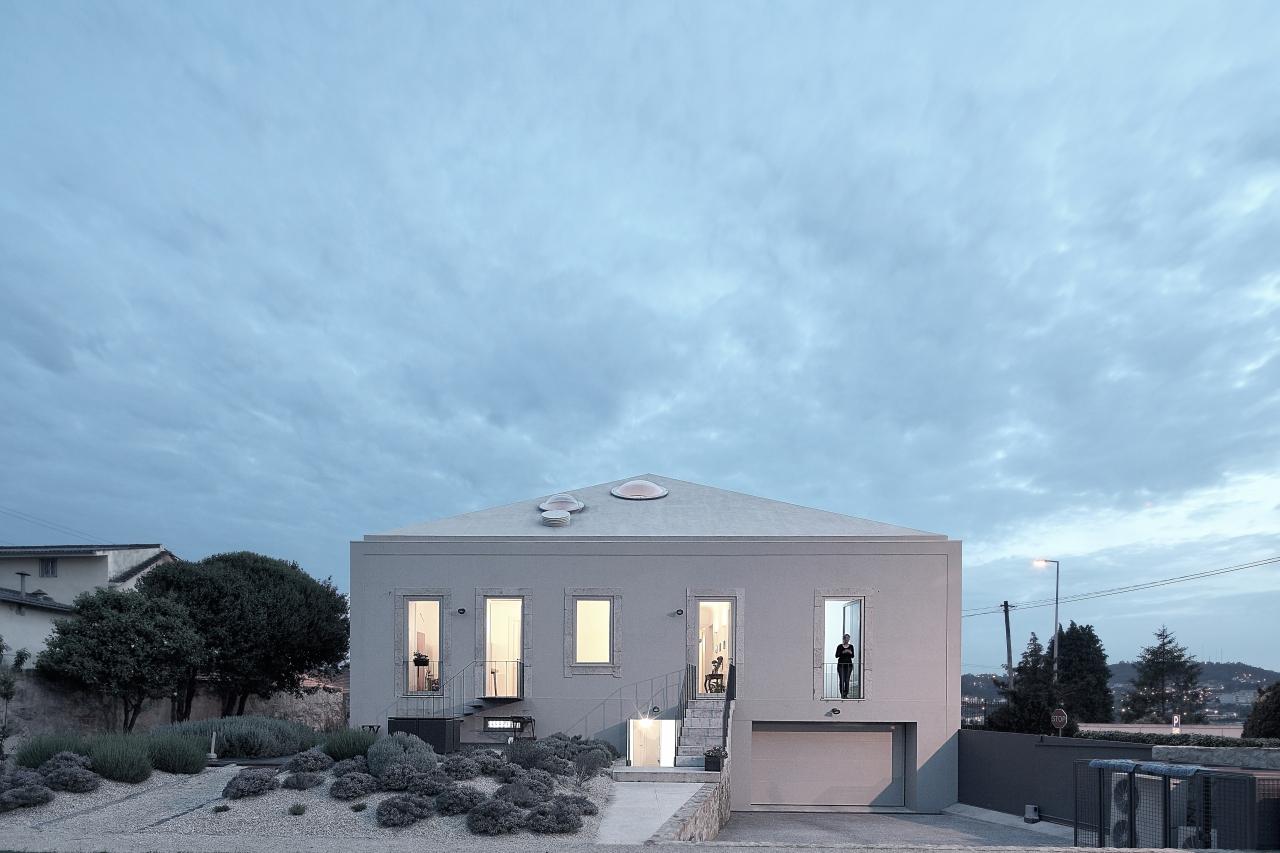 House In Avintes / Gisela Silva Monteiro