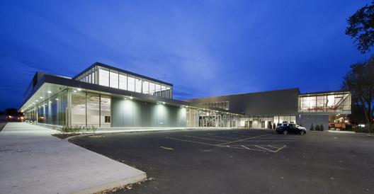 Complexe sportif de l'Assomption / Les Architectes FABG, © Steve Montpetit