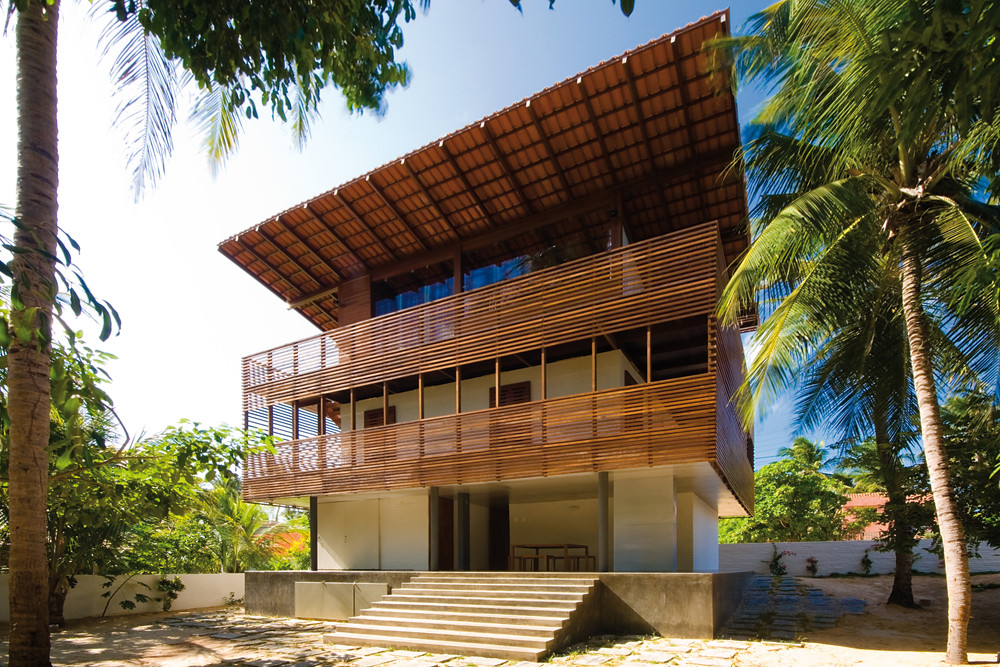 Tropical house camarim architects archdaily for Tropical style house plans
