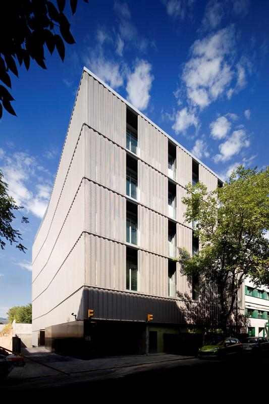 Alfonso Gomez Street Office Building / PPST Arquitectura, © FG+SG – Fernando Guerra, Sergio Guerra