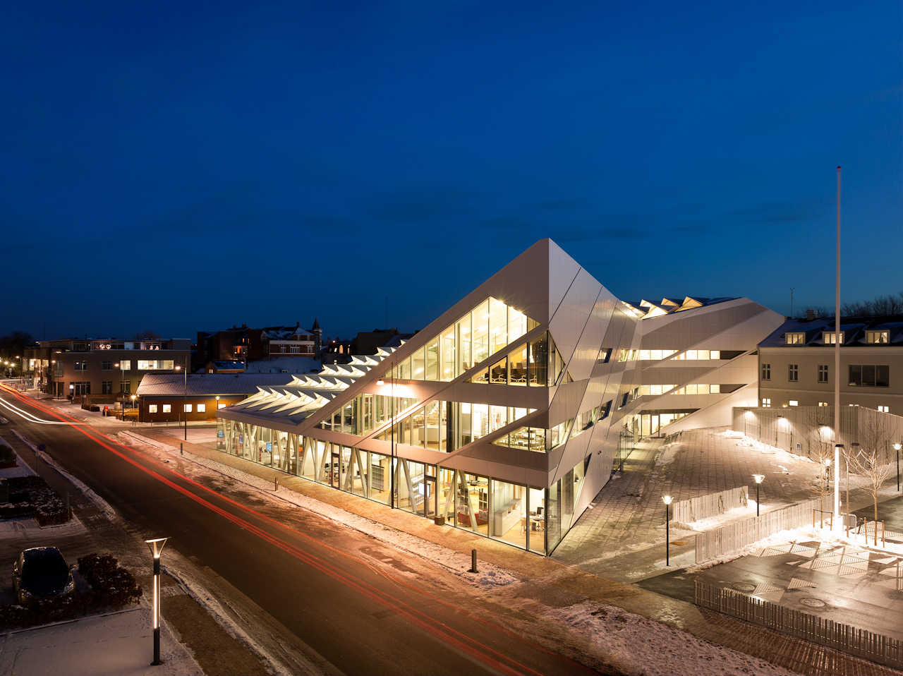 Middelfart Savings Bank / 3XN, © Adam Mørk