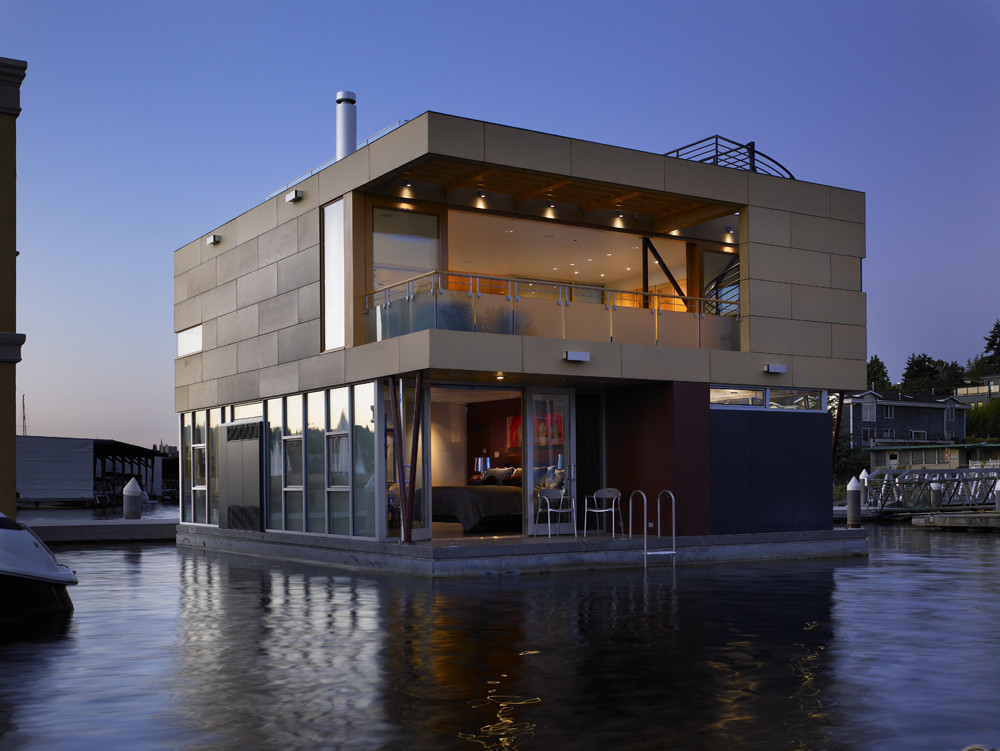 Lake Union Floating Home / Vandeventer + Carlander Architects, © Ben Benschneider