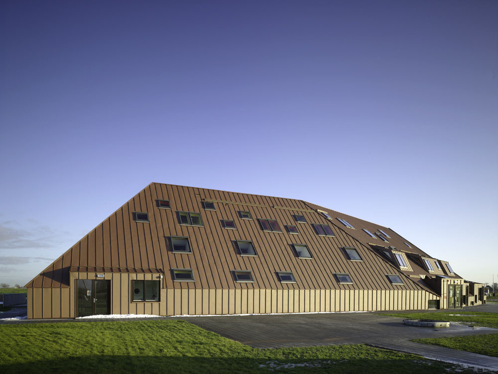 Elementary School Complex at Techum / Zerodegree Architecture, © Christian Richters