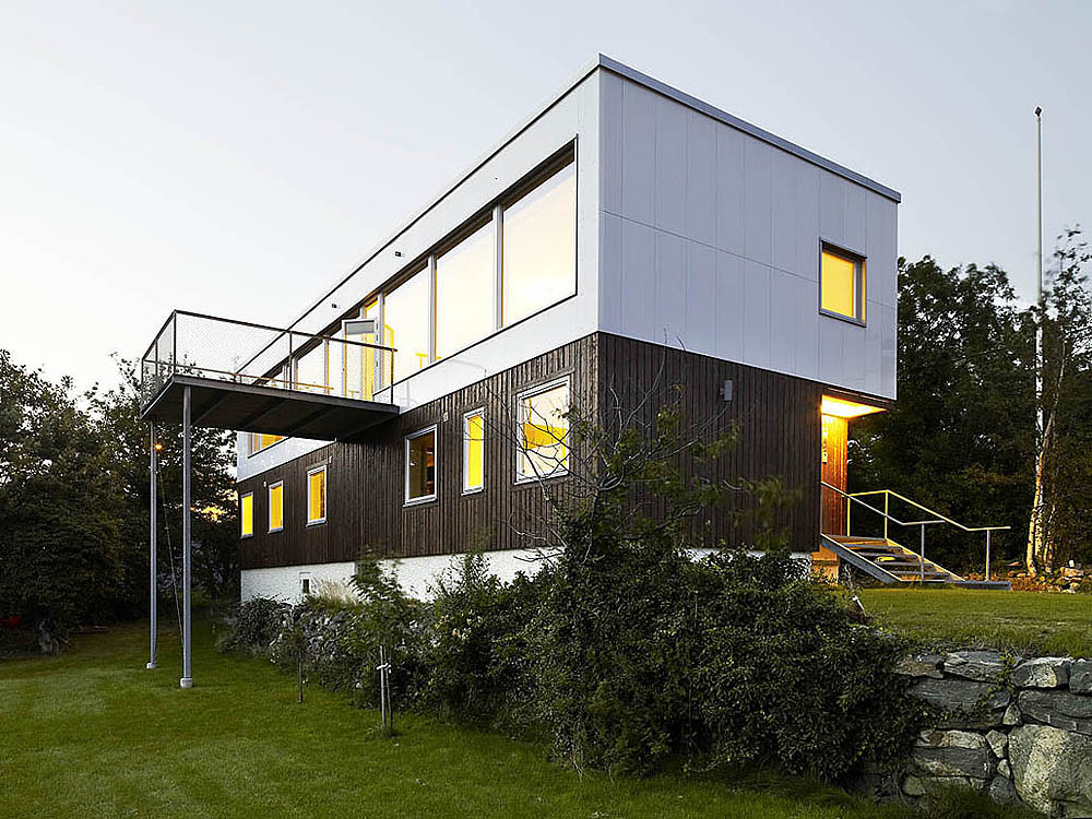 Recycled Materials House Design