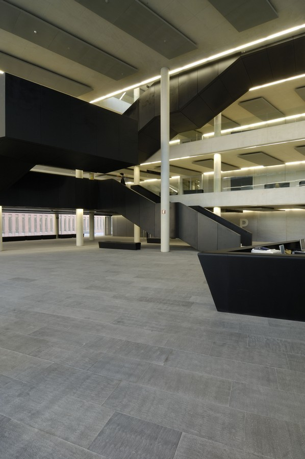 Gallery of city of justice barcelona l hospitalet de for Chipperfield arquitecto