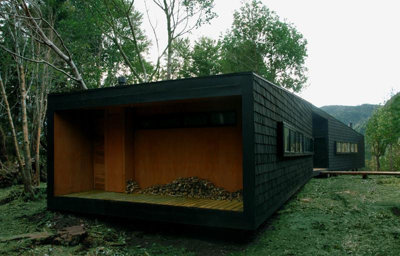 Refuge in Patagonia / Armando Montero + Diego Labbé