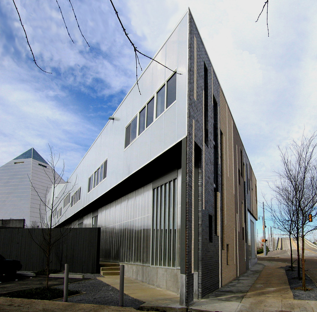 trapezoid buildingstudio archdaily