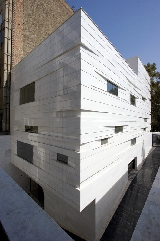 Commercial-Office Building / RYRA Studio, © Parham Taghioff