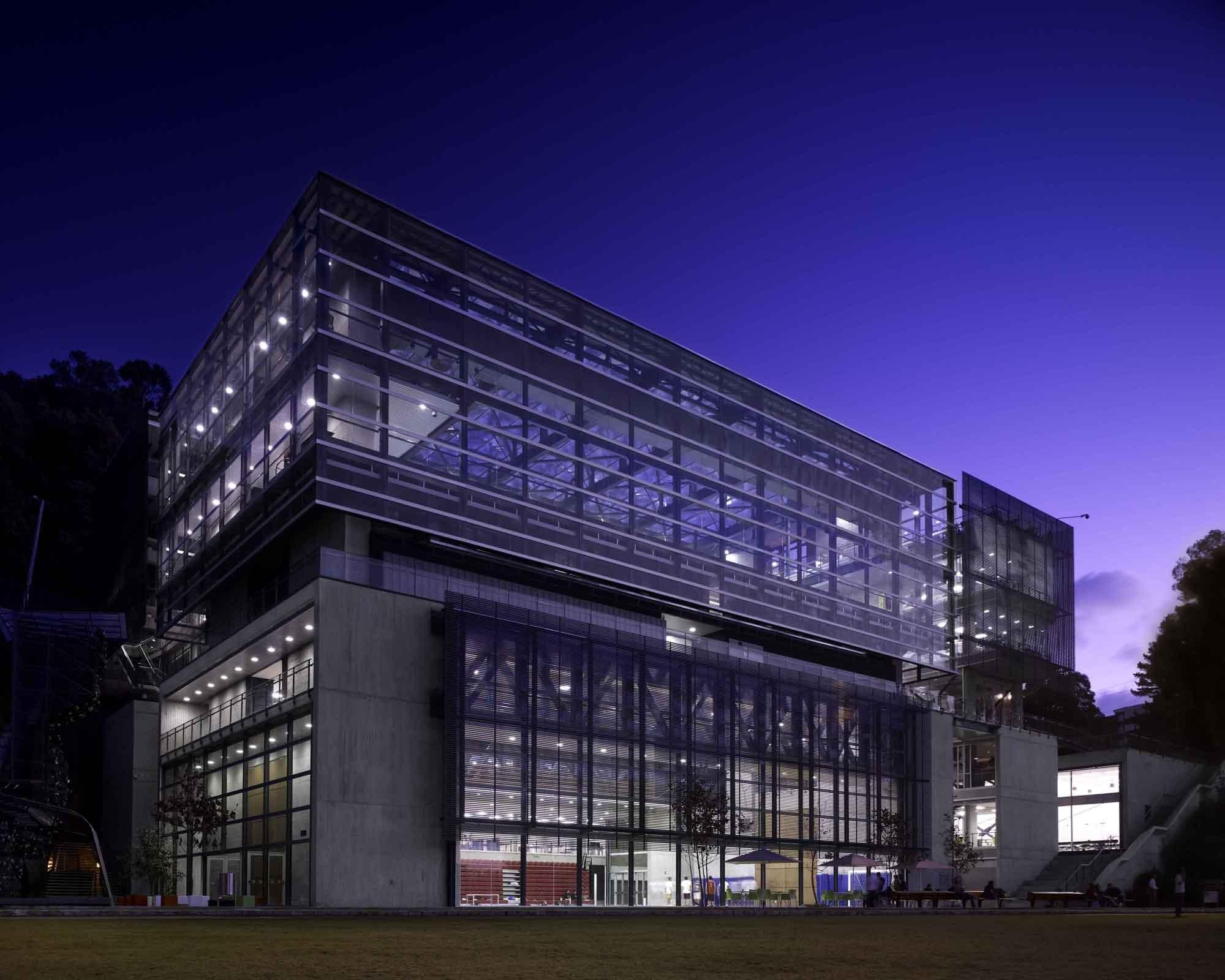 Gallery of universidad de los andes sport facilities mgp for Universidades para arquitectura