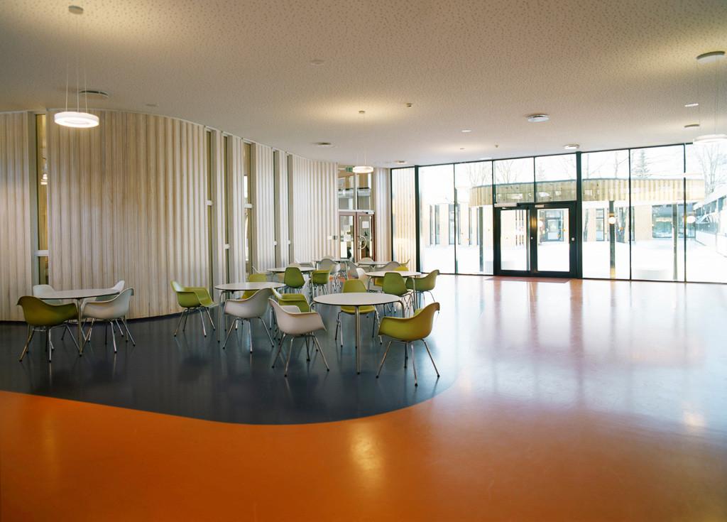 gallery of oslo international school jva 8. Black Bedroom Furniture Sets. Home Design Ideas