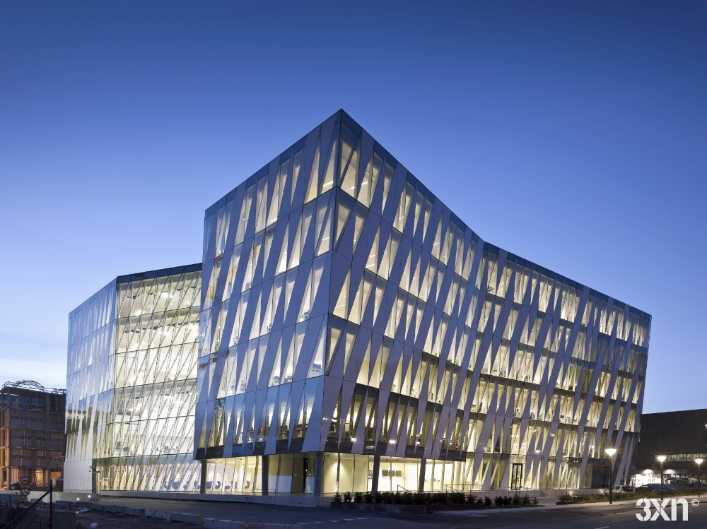 Saxo bank 3xn archdaily for Best hotel building design