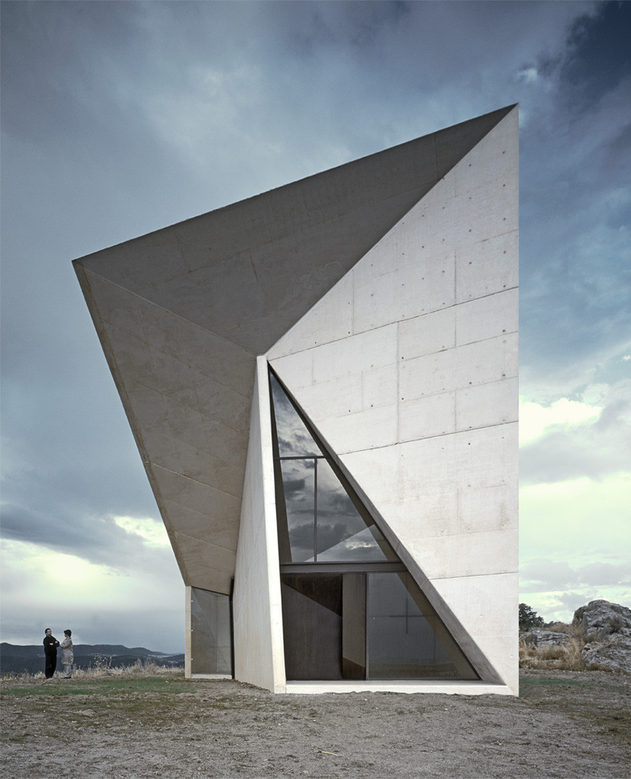Chapel in valleaceron s m a o archdaily for Architecture origami