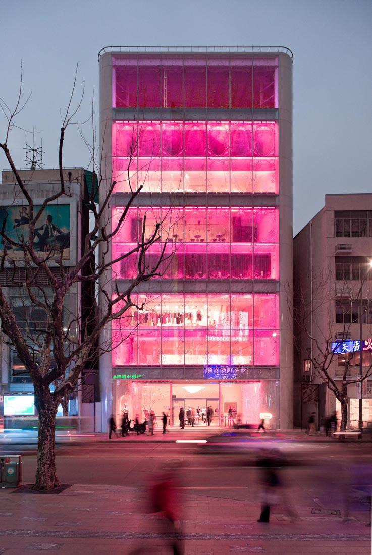 Barbie Shanghai Store / Slade Architecture