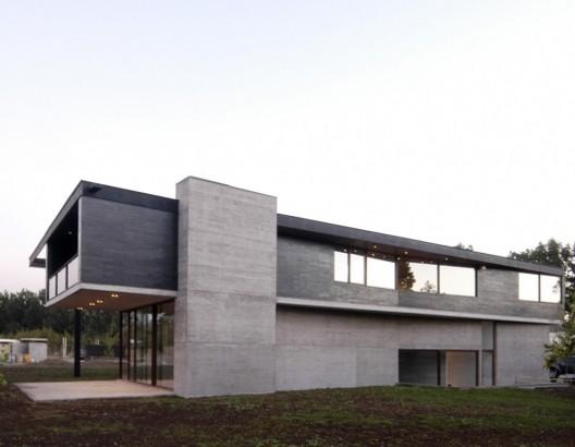 Carvallal - Dufey house / Mas y Fernández Arquitectos