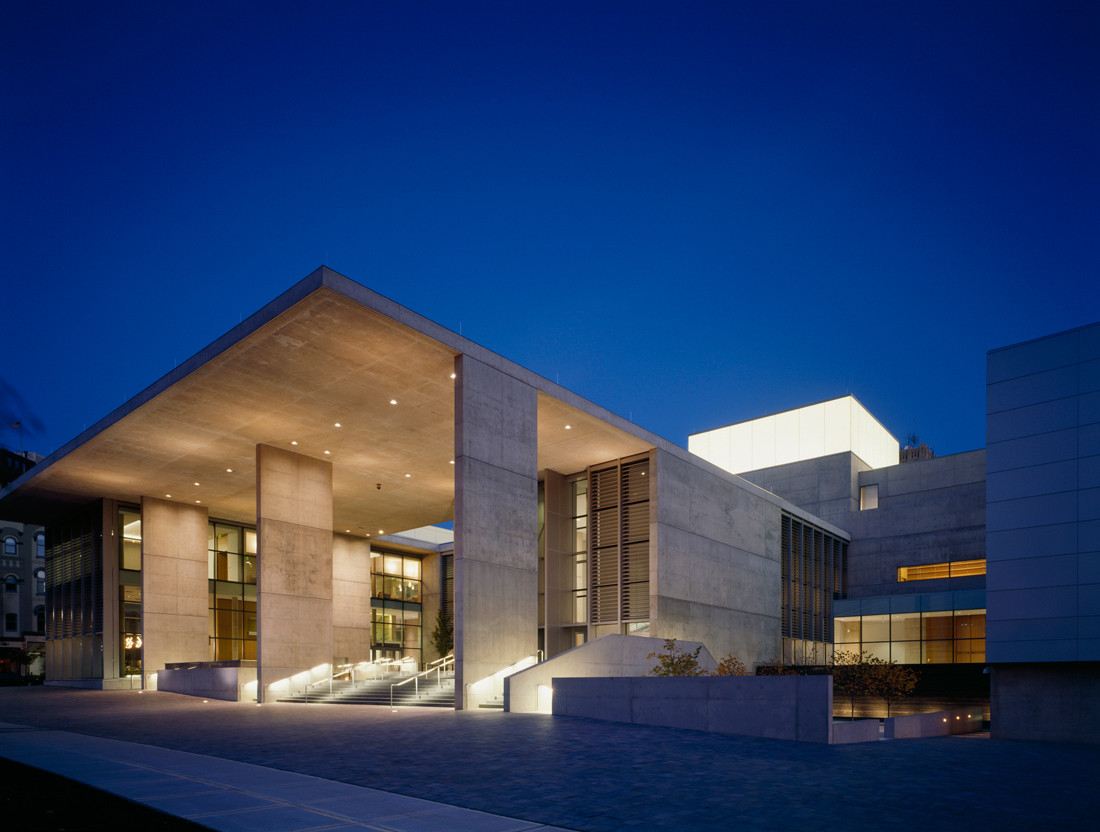 Gallery of grand rapids art museum leed gold certified for Architects in grand rapids mi