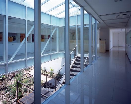 Frexport headquarters cc arquitectos archdaily - Arquitectos en zamora ...