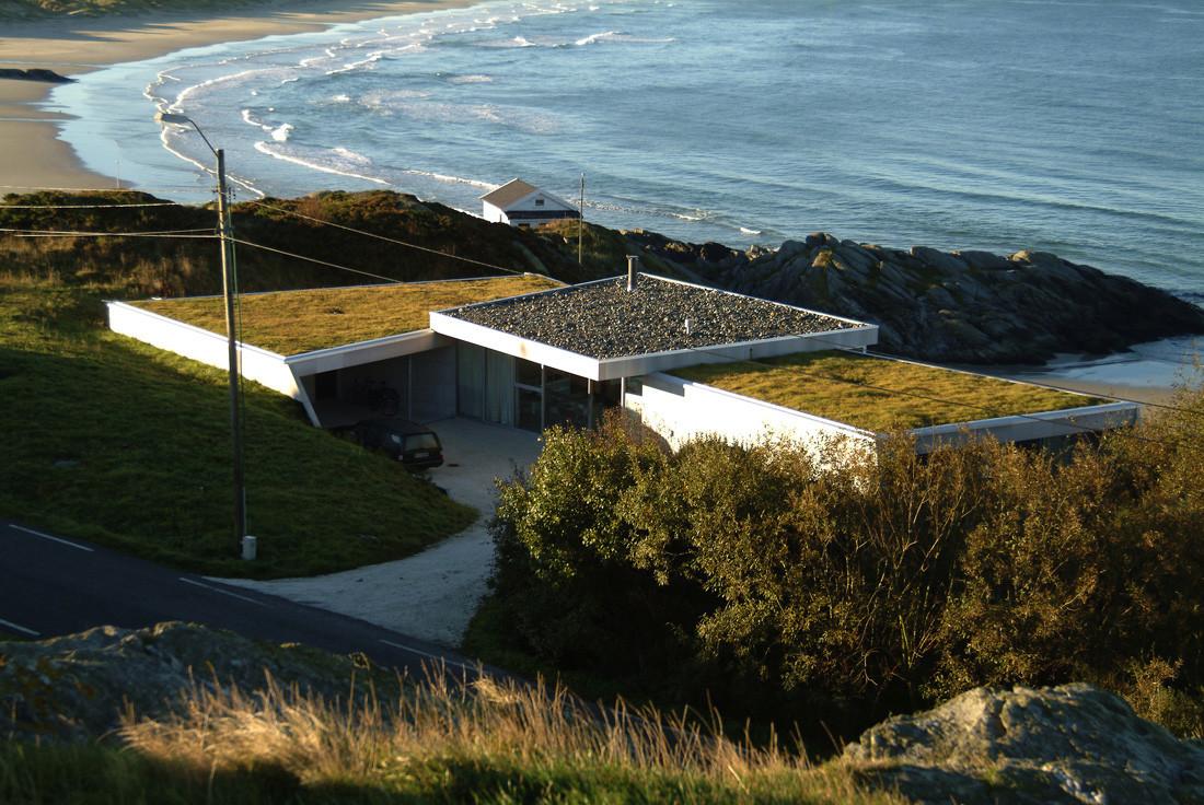 Villa by the Ocean / JVA