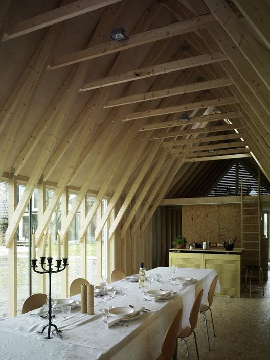 Faro Modern Bedroom Set: Oeken Pavilion / FARO