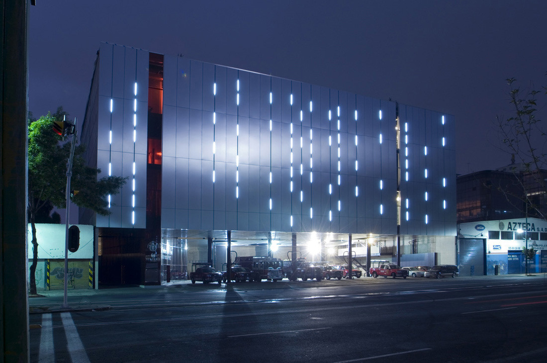"""Ave Fenix"" fire station / BGP Arquitectura + AT 103"