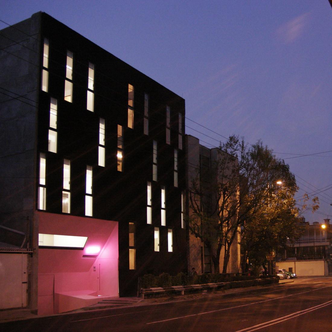 Gabriel Mancera Building / at103