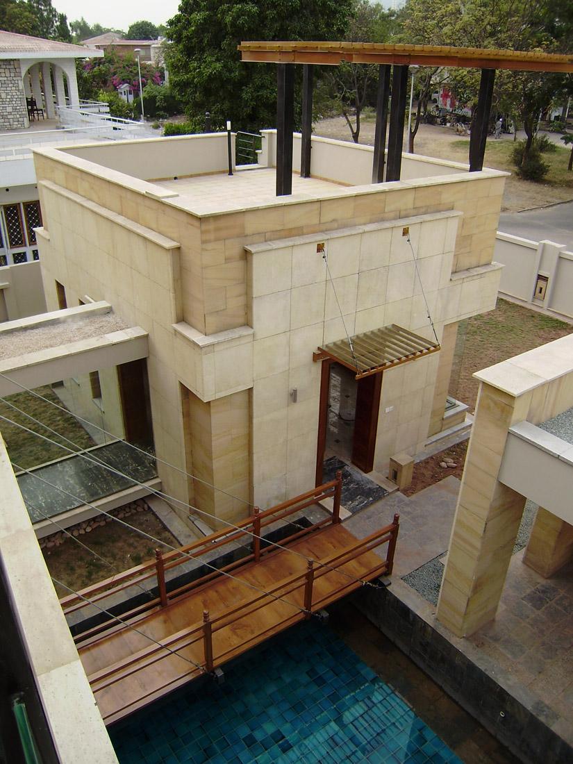 E7-2 House / Montage DESIGNBUILD