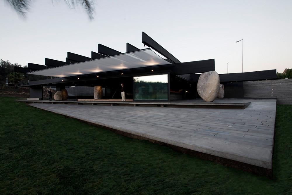 Mestizo Restaurant / Smiljan Radic