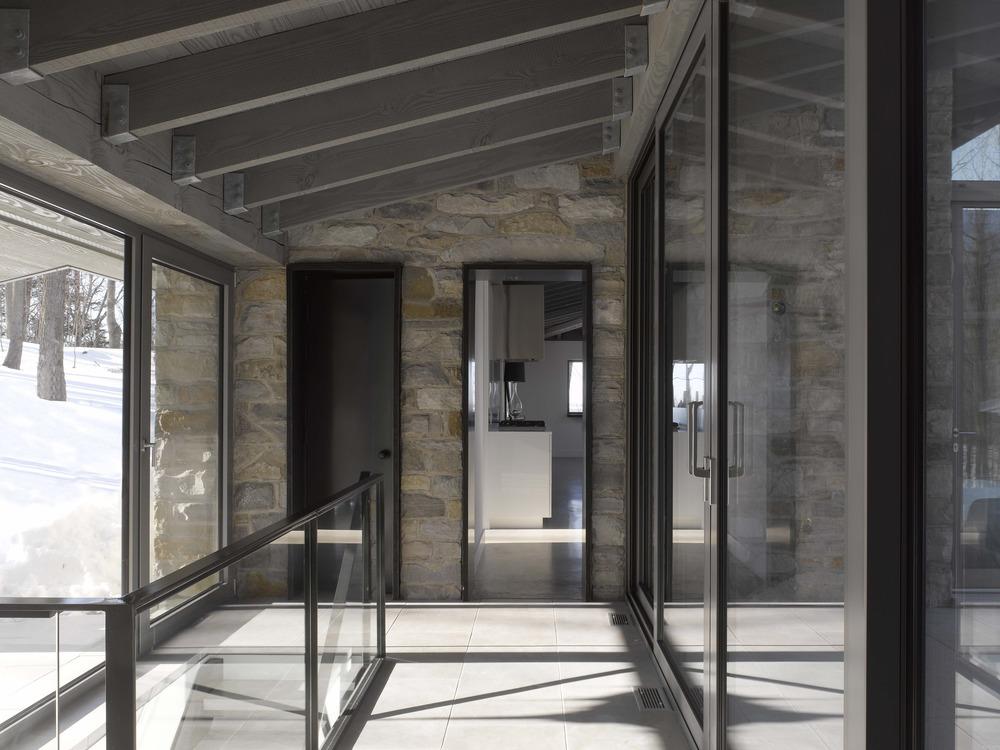 Gallery of bromont house paul bernier architecte 26 - Canada maison close ...
