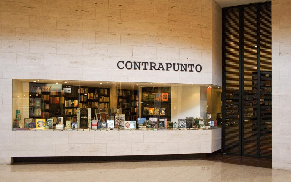 Contrapunto Bookshop / Lipthay + Cohn + Contenla