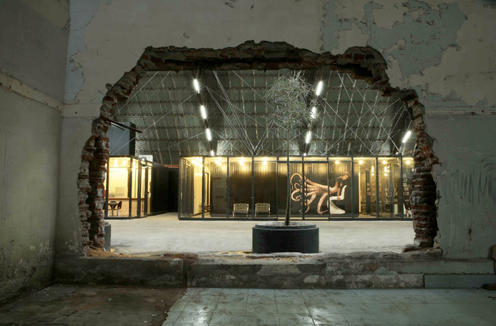 Pullpo advertising agency hania stambuk archdaily for Ad agency interiors